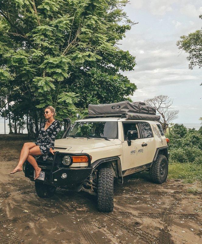 Maak een roadtrip door Costa Rica met een four wheel drive.