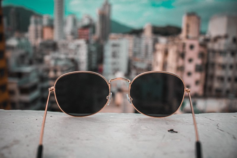 Op zoek naar een leuk cadeau voor een reiziger? Koop een zonnebril!