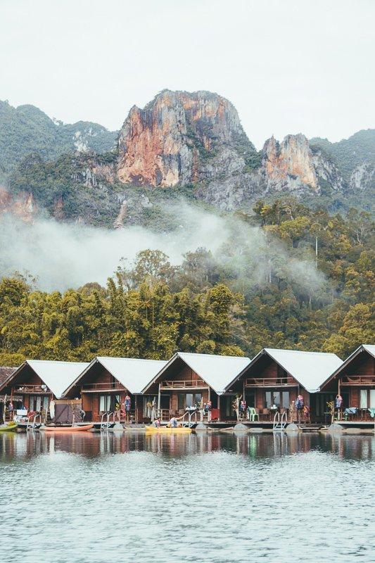 De mooie bungalows van Khao Sok Lake.