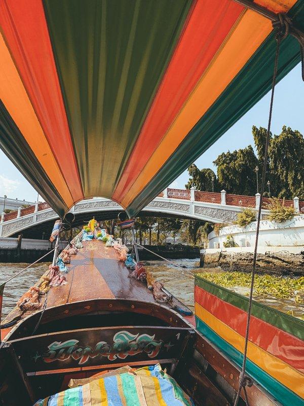 Met een longtailboot door Bangkok
