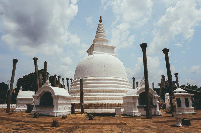 In Anuradhapura en Mihintale vind je een aantal belangrijke heiligdommen