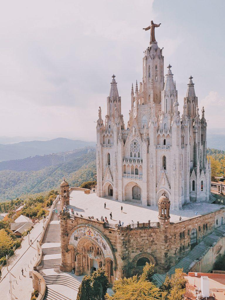 De Temple of theSacred Heart of Jesus in Barcelona