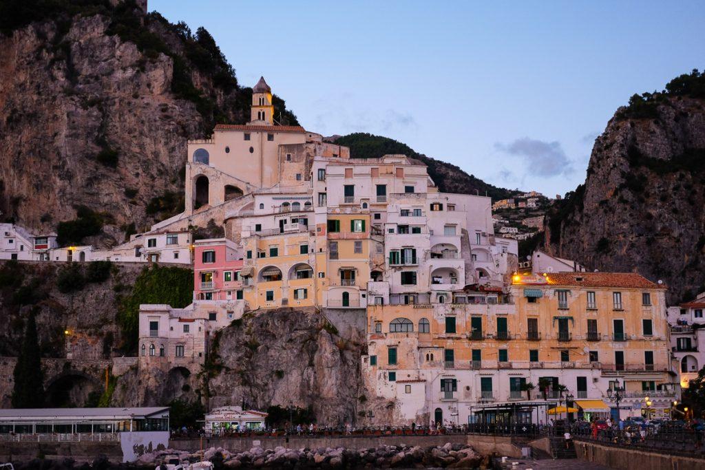 Het stadje Amalfi aan de Amalfikust