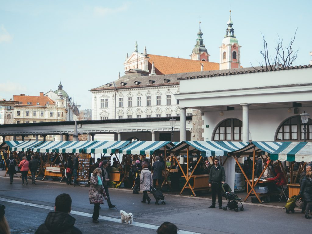 De Centrale Markt in Ljubljana vindt iedere dag plaats.