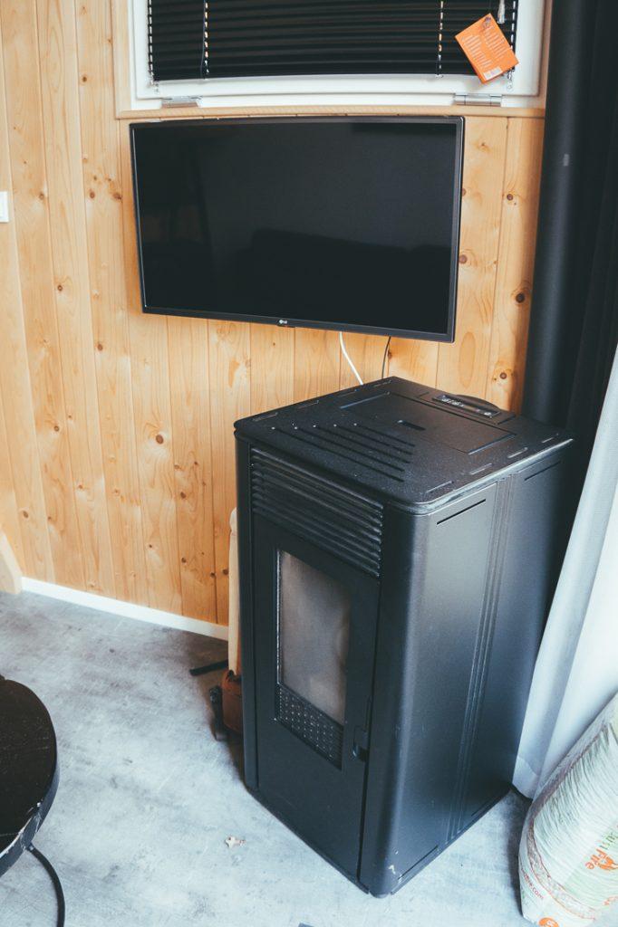 De houtkachel in de tiny house