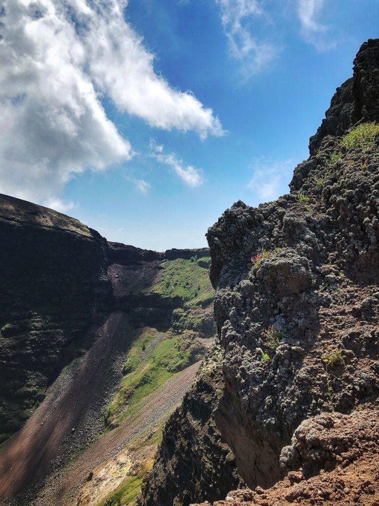 De krater van Vesuvius