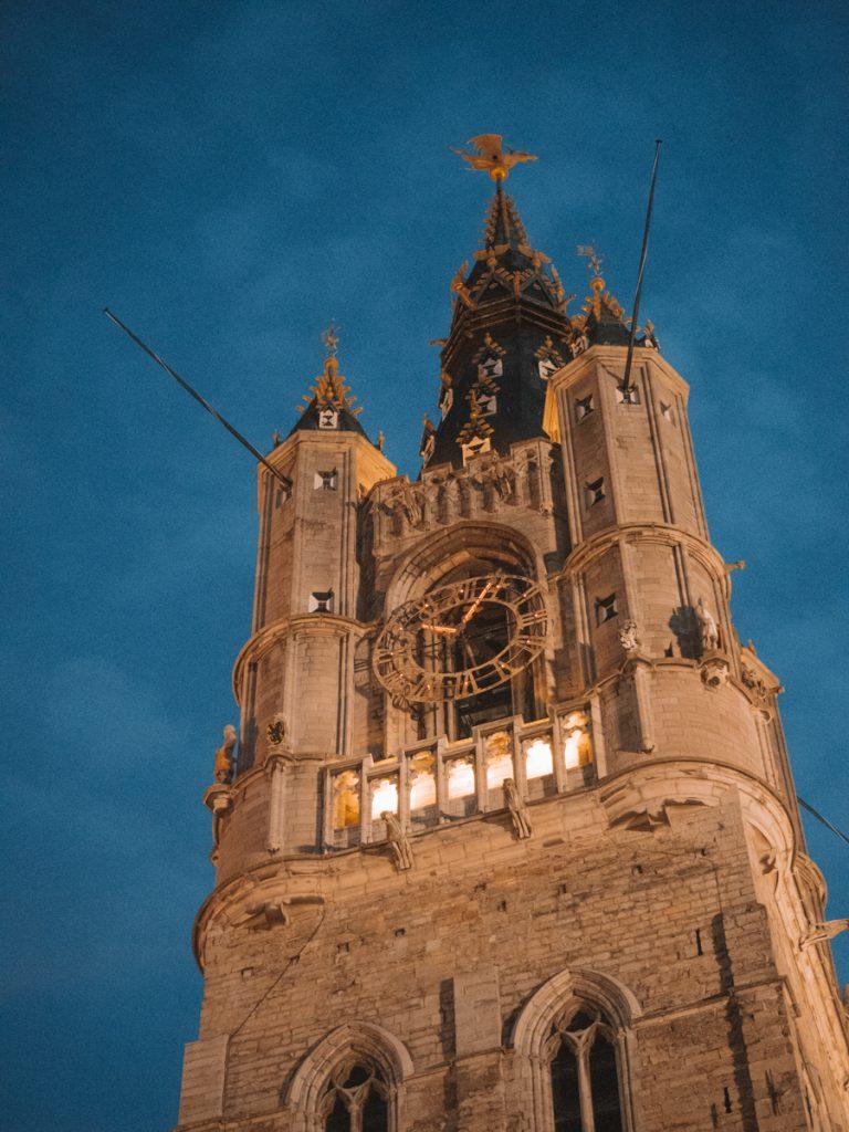 Een van de leukste tips tijdens een stedentrip Gent is het beklimmen van de Belfort toren