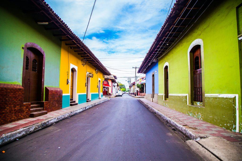 De wegen in Nicaragua zijn goed te bereizen als je een auto gaat huren