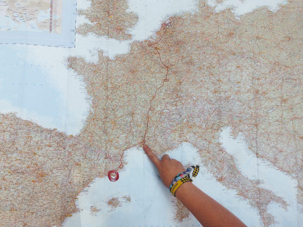 De route van de Barcelona Express uitgestippeld op een kaart