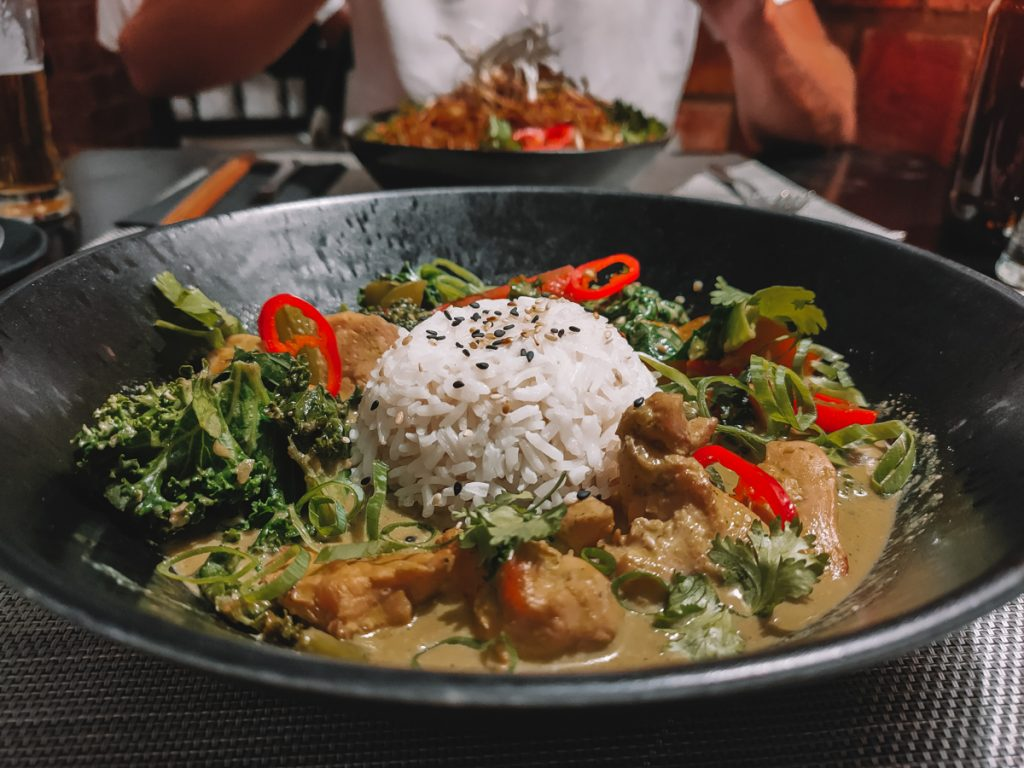 Curry in Gorilla, Lagos