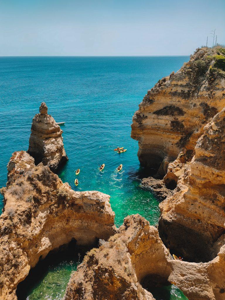 Kliffen van de Algarve rondom Lagos in Portugal