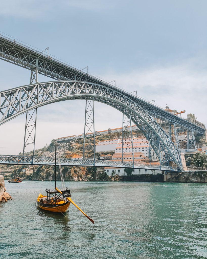 De iconische brug in Porto