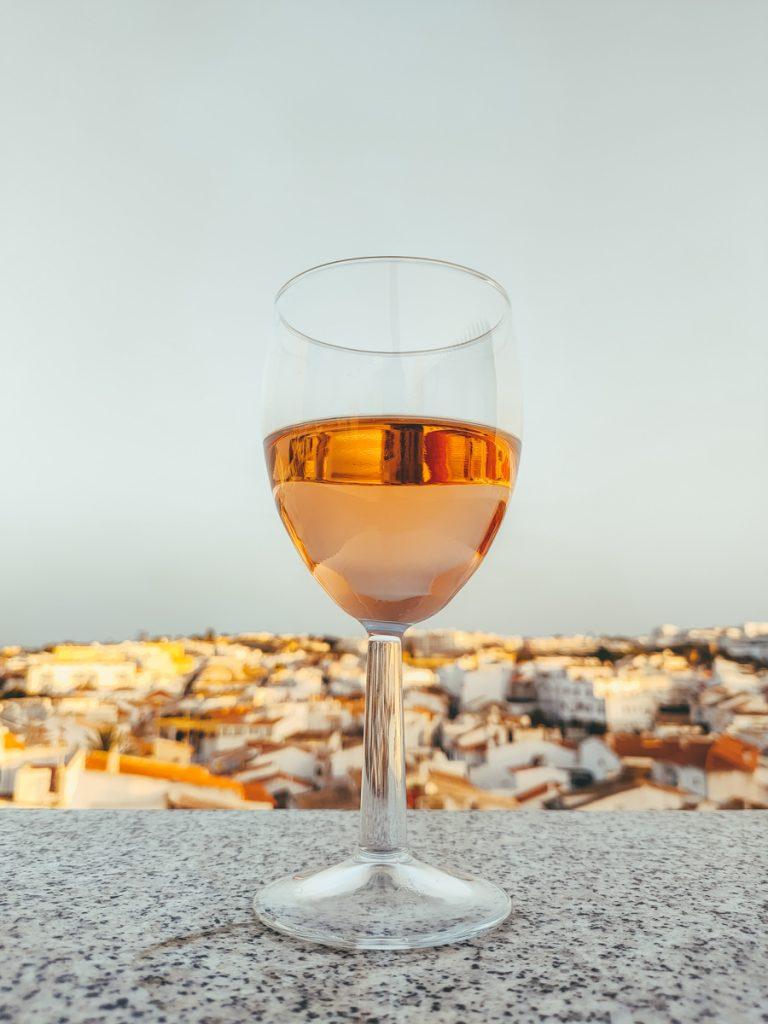 Een roséwijn in Portugal