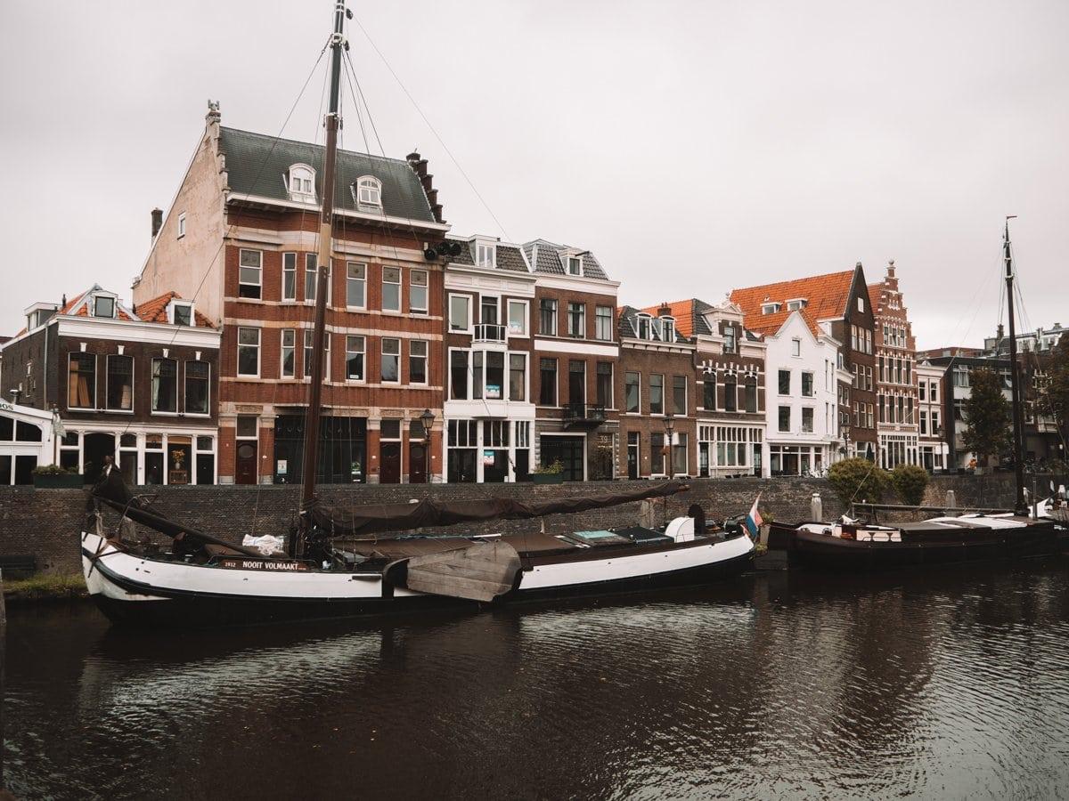 De oude haven van Delfshaven in Rotterdam, een van de leukste tips
