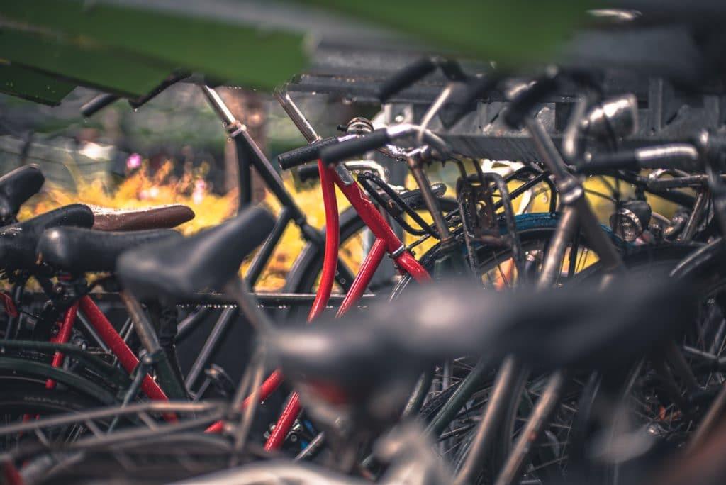 Huur een fiets in Rotterdam om de mooiste bezienswaardigheden van de stad te ontdekken