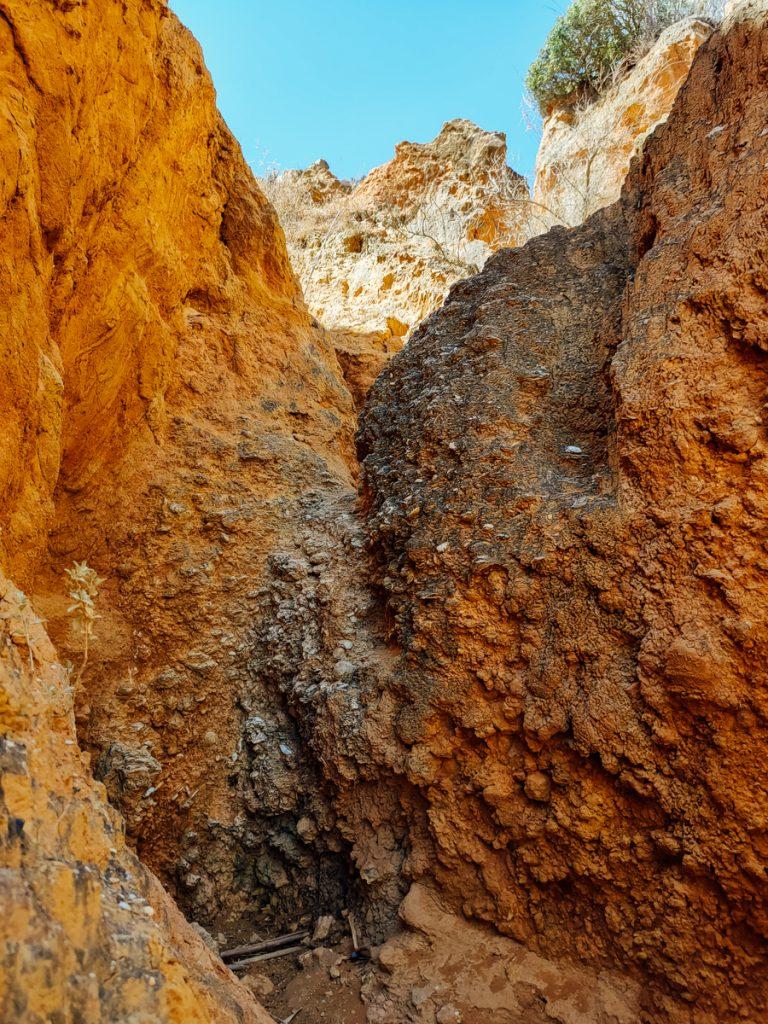 De kliffen in de Algarve