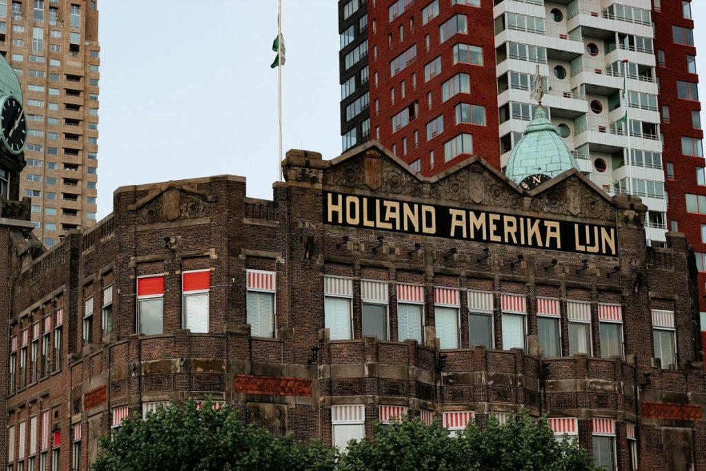 Het historische pand van de Holland America Lijn!