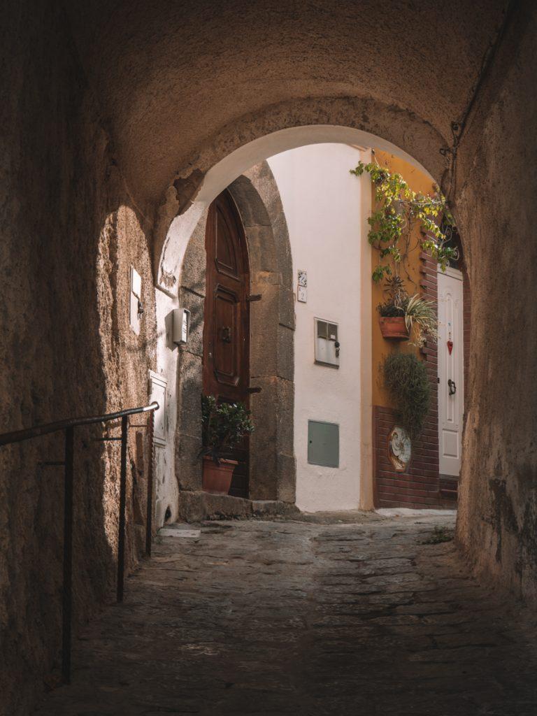 Een mooi doorkijkje in Forio
