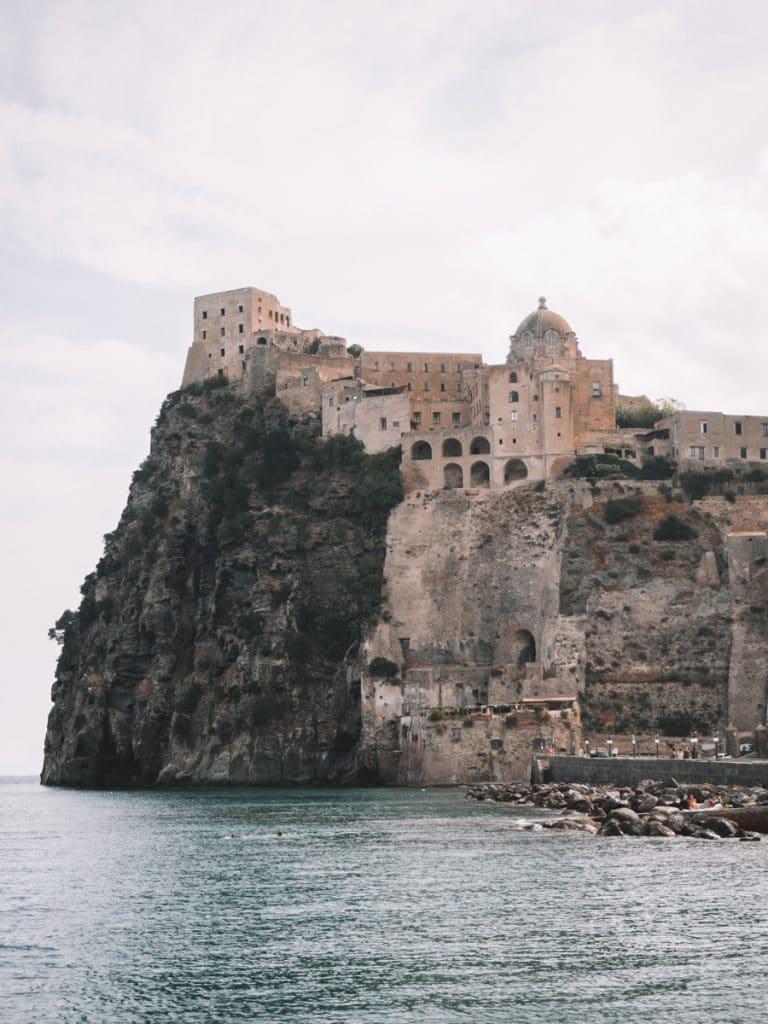 Castello Aragonese op Ischia, de belangrijkste bezienswaardigheid van het eiland