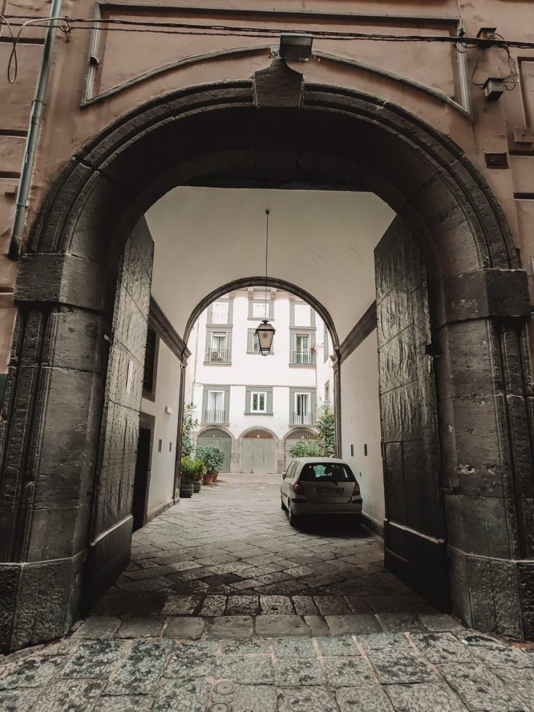 Een open gate