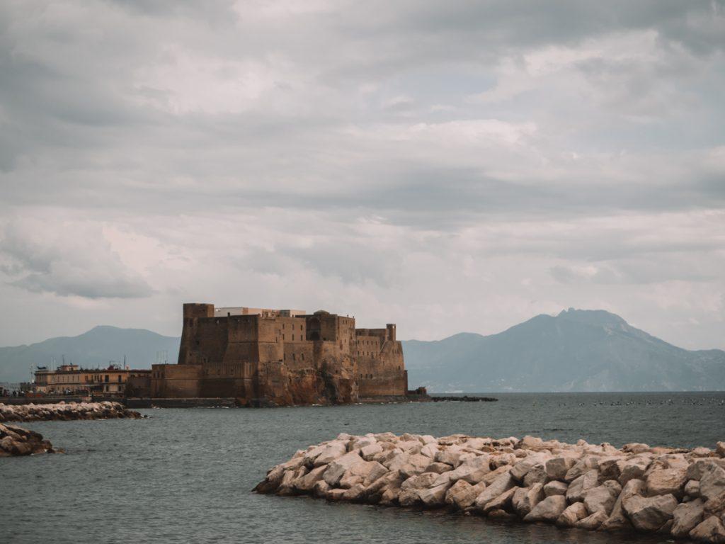 Het oudste kasteel van Napels