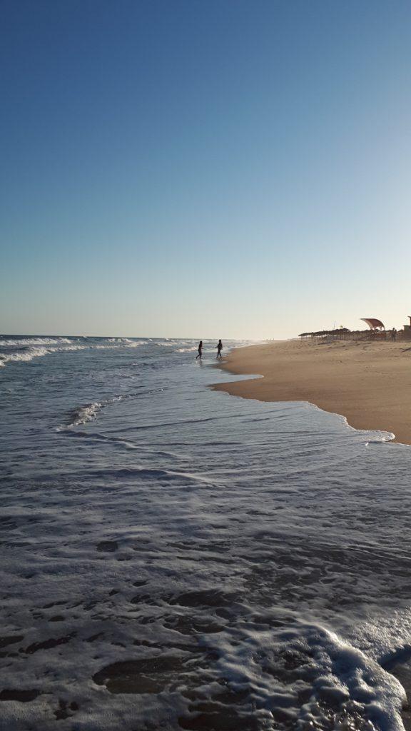 Het strand van Tavira in Portugal