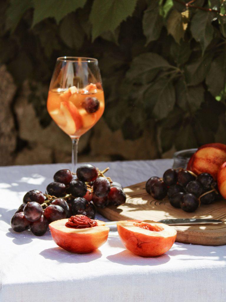 Fruit met frisse wijn
