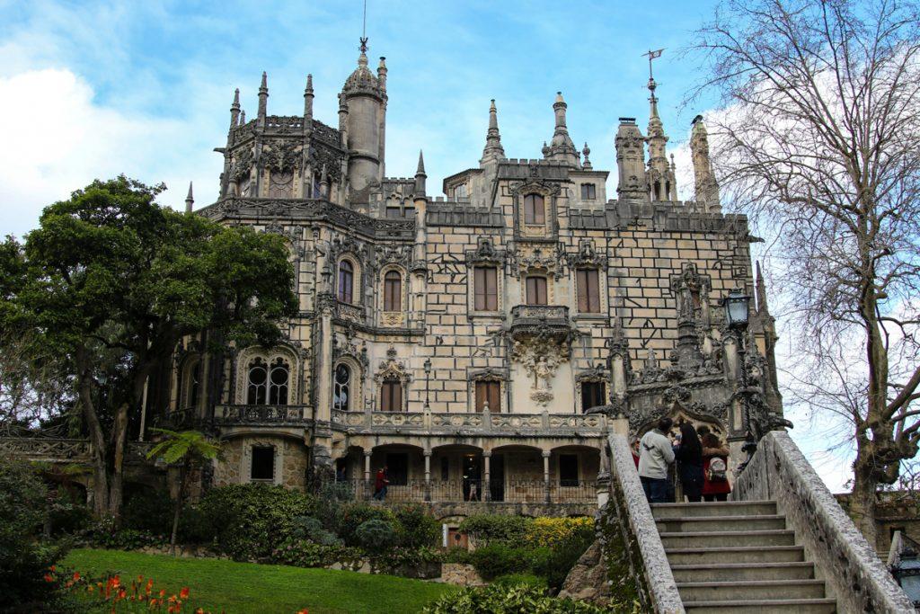 Palacio Quinta da Regaleira is een van de indrukwekkende paleizen van Sintra