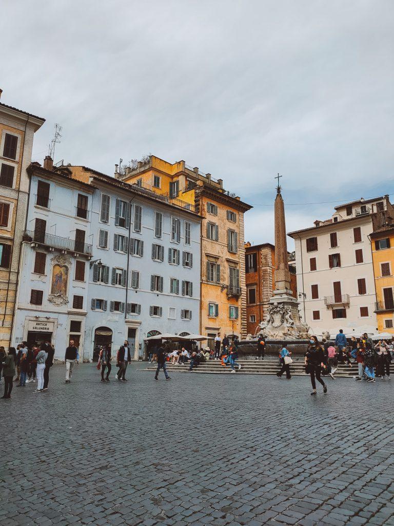 Kleurrijke huizen in het centrum van Rome