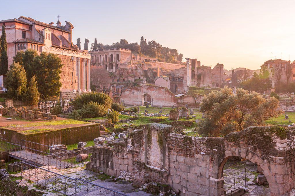 Zonsondergang over Forum Romanum vanaf de Palatijn