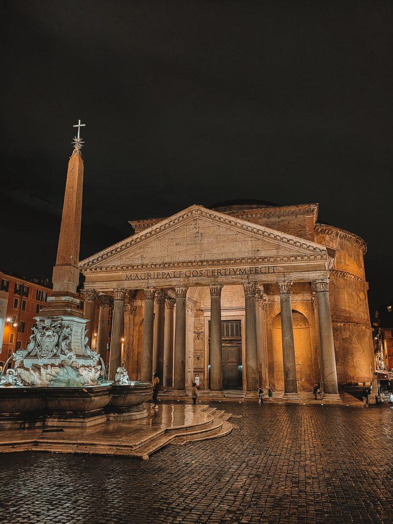 Het Pantheon in de nacht
