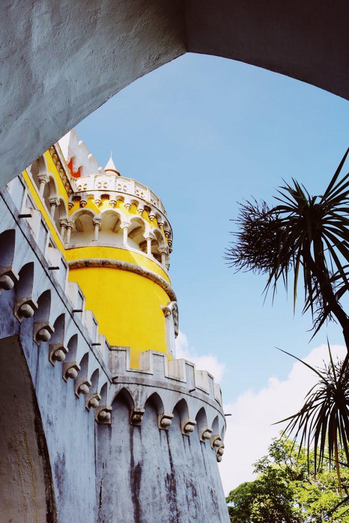 Dit is absoluut het mooiste paleis van Sintra nabij Lissabon