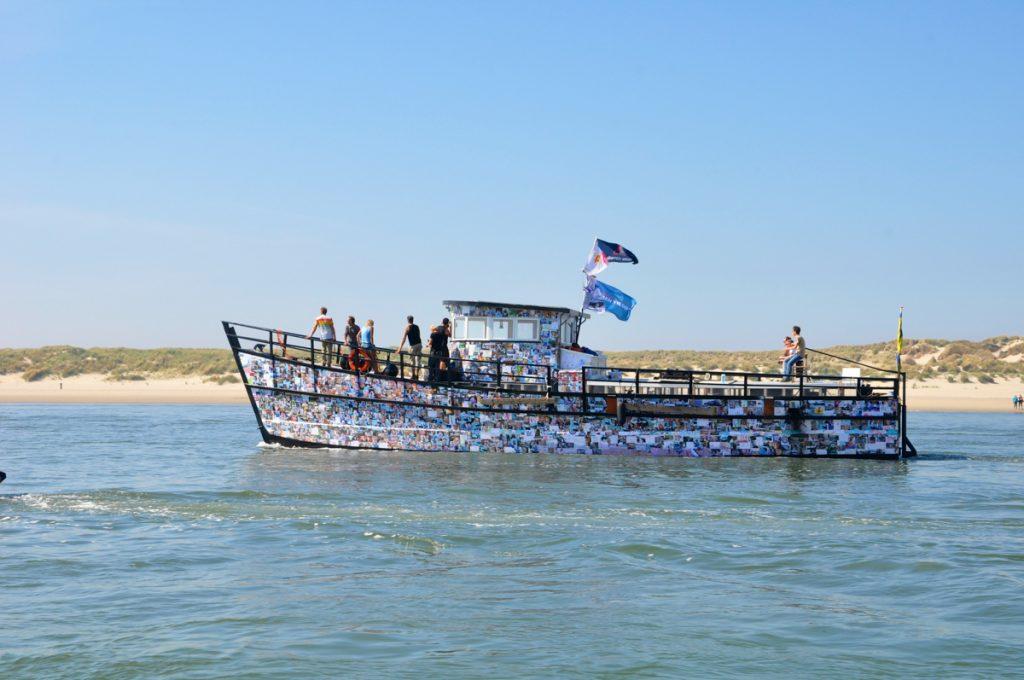 Boot naar Vlieland toe