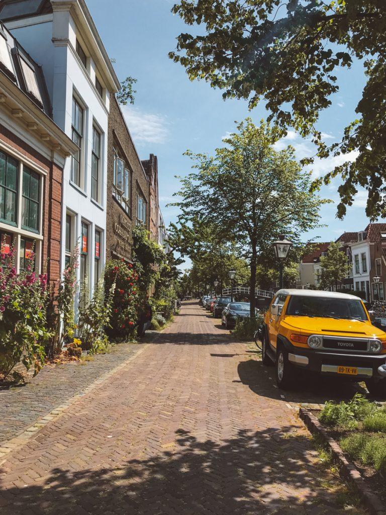 Een van de leukste tips voor Leiden is struinen door het centrum