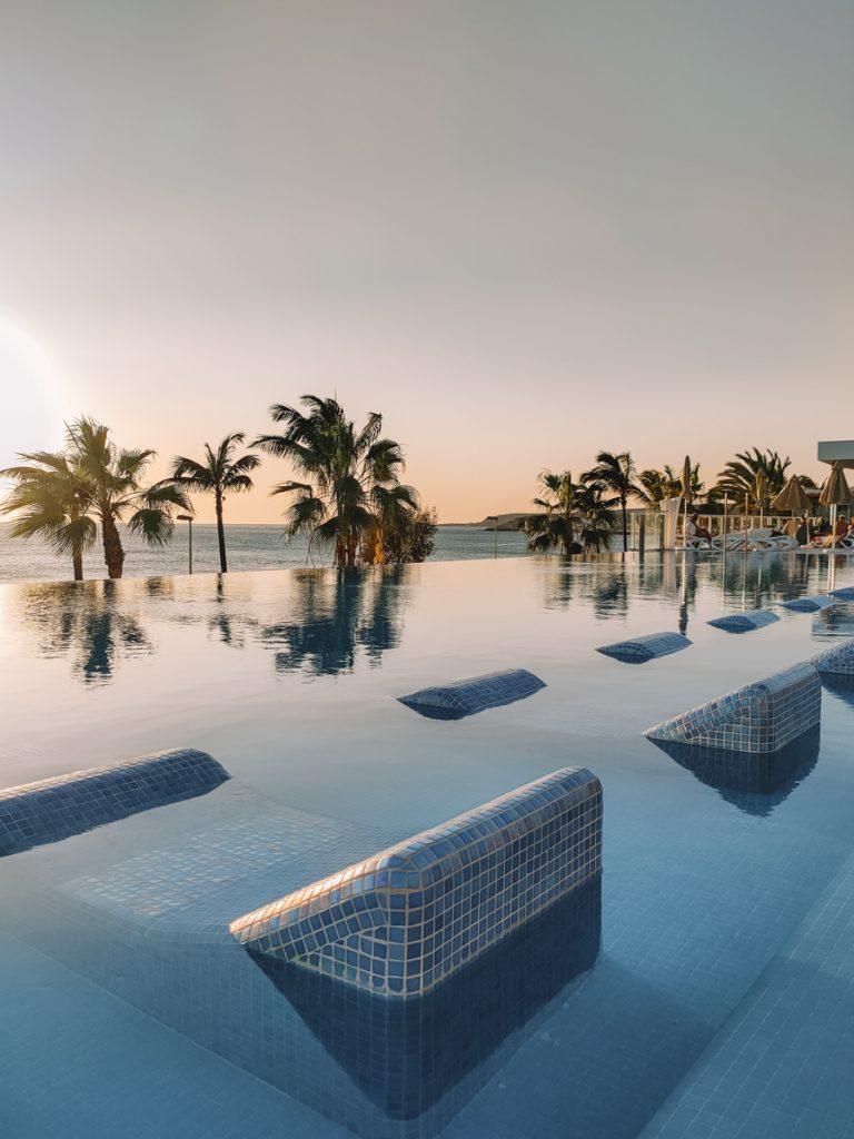 De infinity pool van RIU Gran Canaria