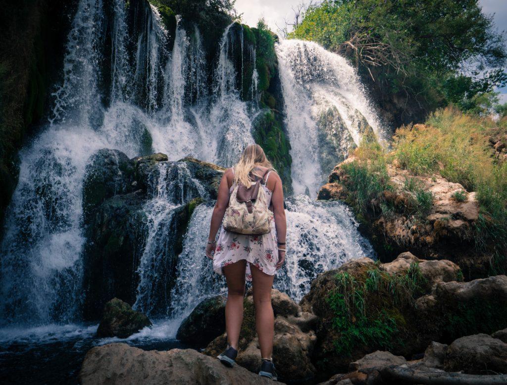 Kravica watervallen in Bosnië behoren tot een van de mooiste watervallen in Europa