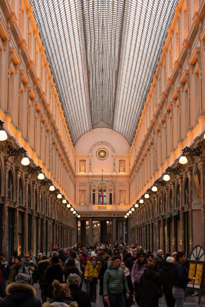 Een galerij uit de 19e eeuw met een prachtig plafond