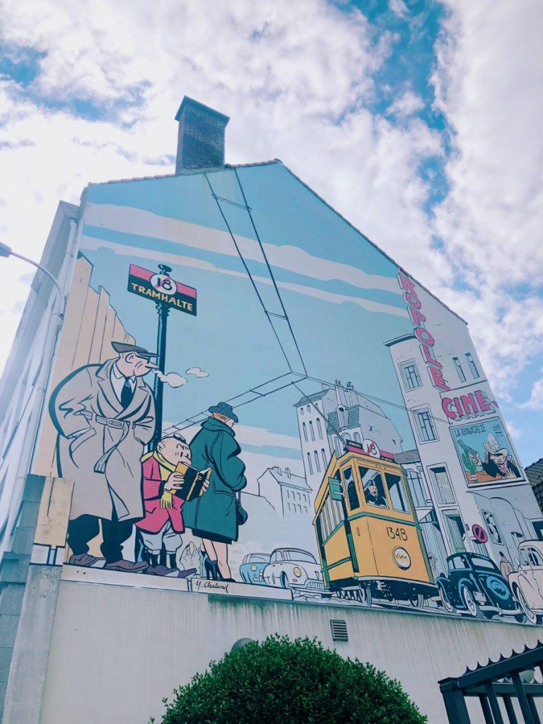 Tijdens een dagje Brussel mag je de stripfiguurroute niet overslaan. Hier vind je ook een stripfiguur, groot afgebeeld op een muur.