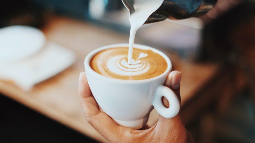 Een van de beste hotspots voor koffie in Brussel is MOK