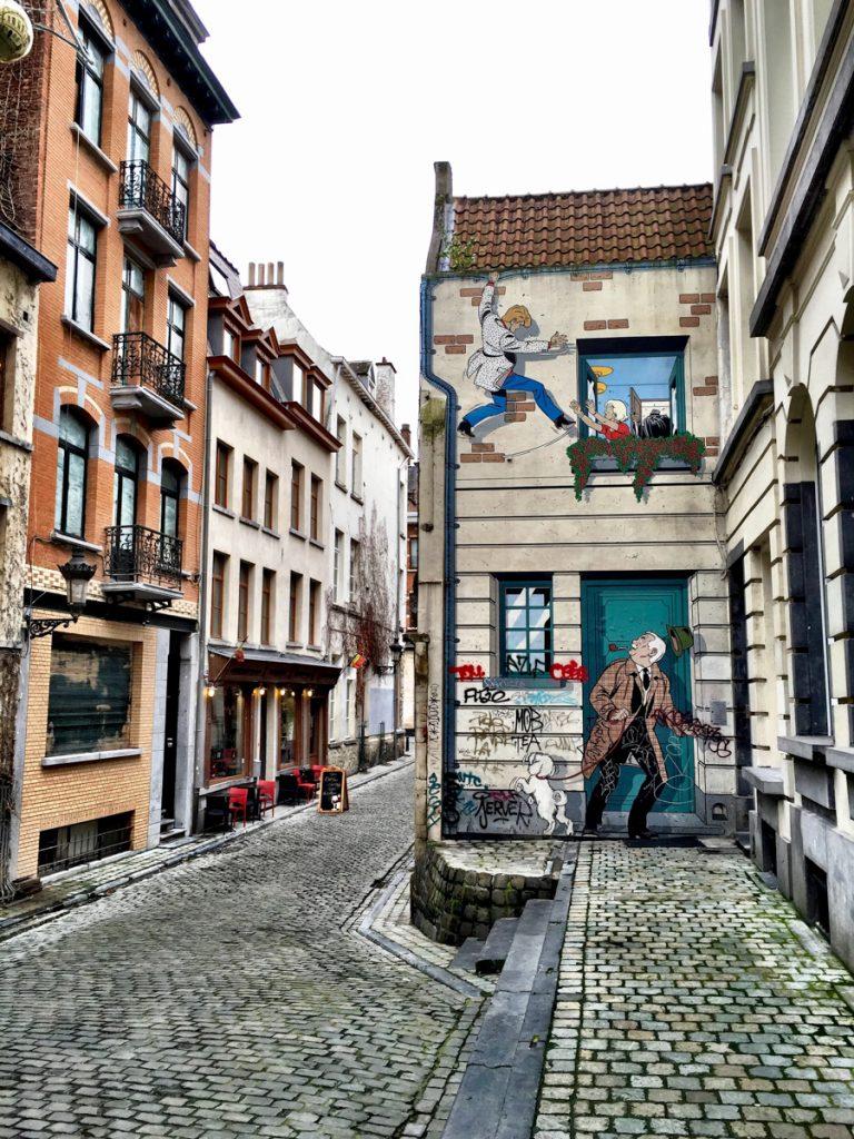 Een van de leukste bezienswaardigheden in Brussel is de vele stripfiguren op de muren, zoals je hier kunt zien