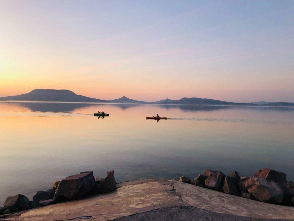 Het Balatonmeer is een van de mooiste meren in heel Europa