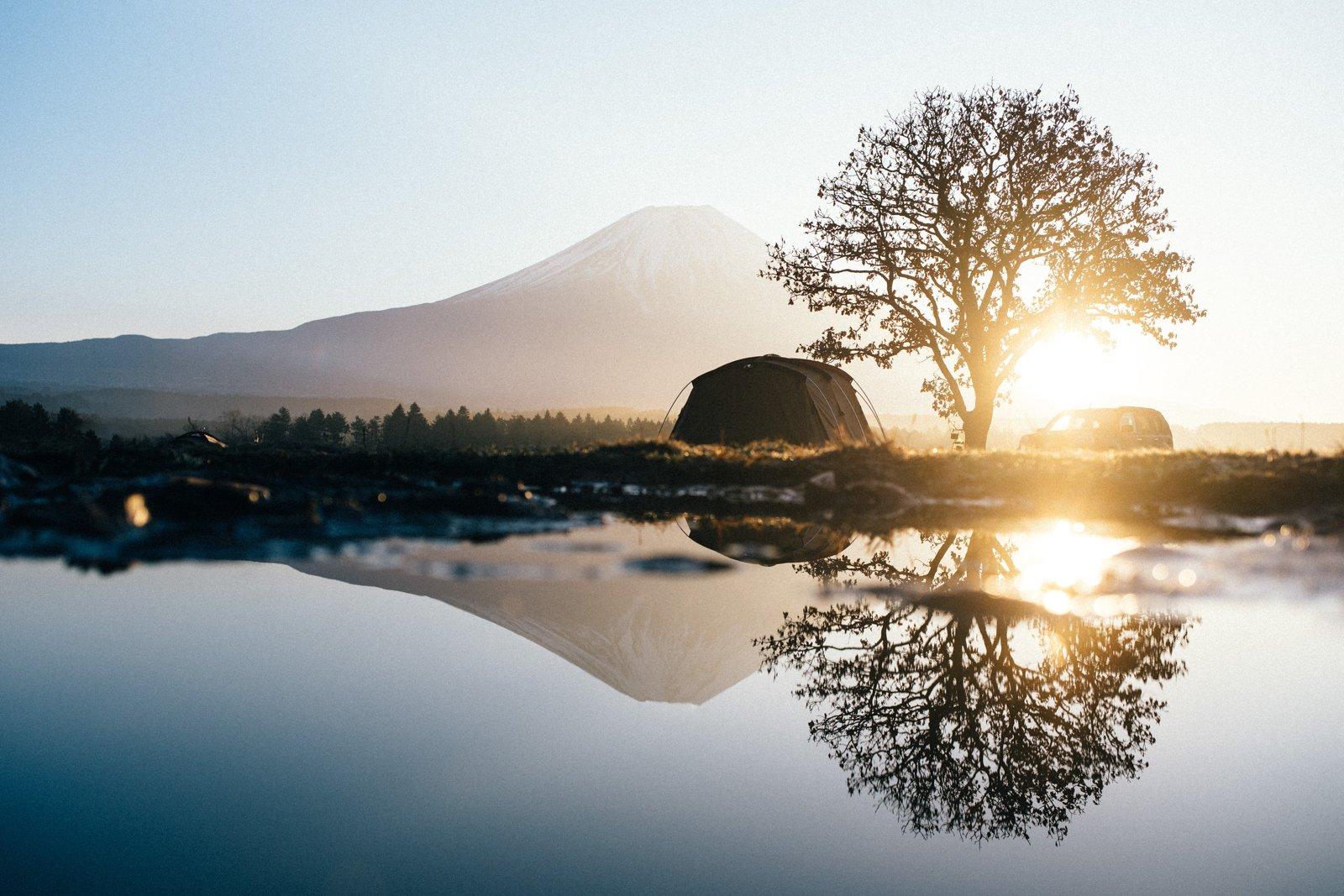 Een van de mooiste campings in Japan waar je kunt kamperen, met Mount Fuji op de achtergrond