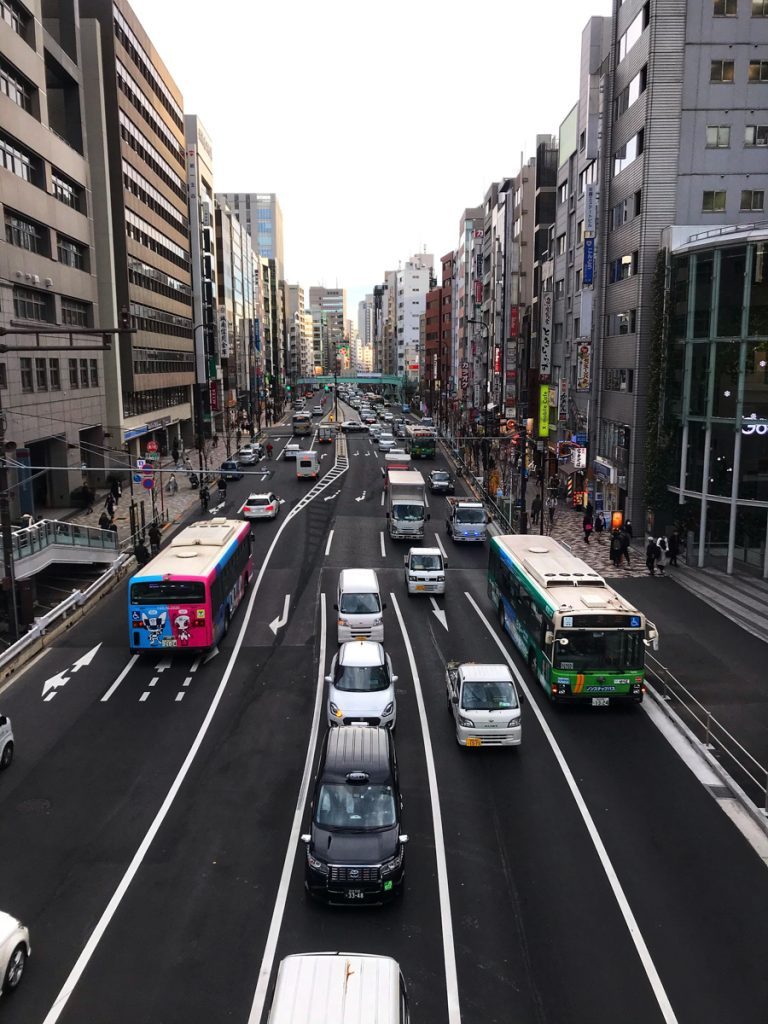 De wegen in Japan lenen zich uitstekend voor een roadtrip met de auto of camper