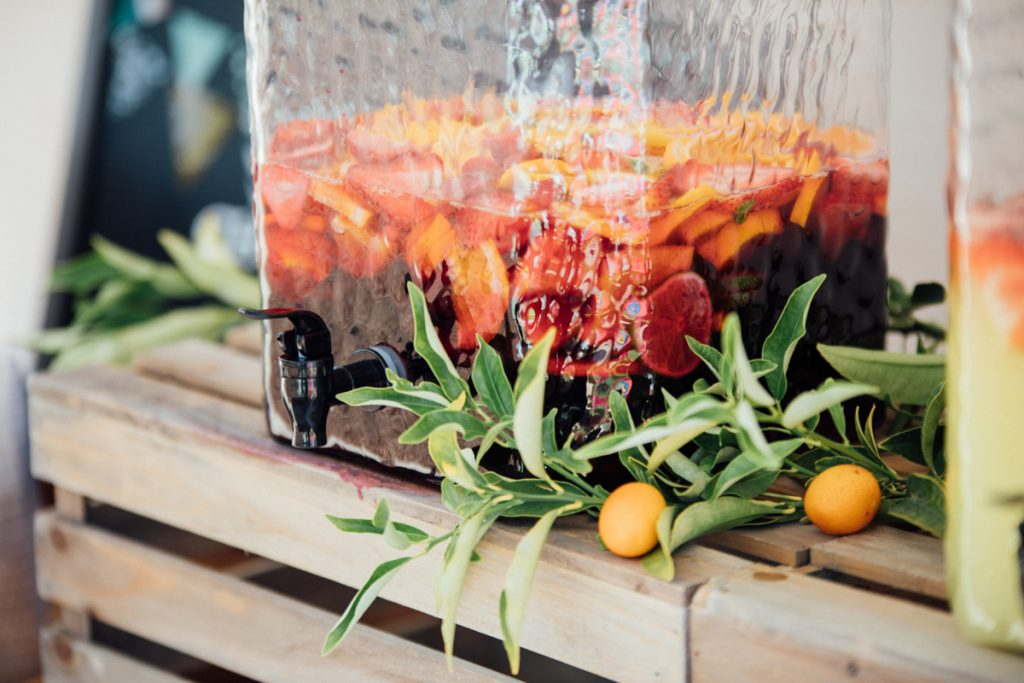 Sangria is een typisch Spaans drankje, wat vooral heerlijk in de zomer is!