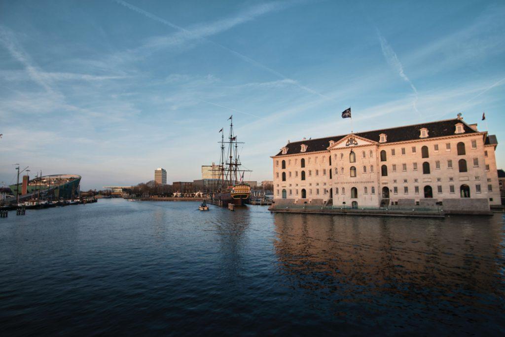 Het Scheepvaartmuseum in Amsterdam