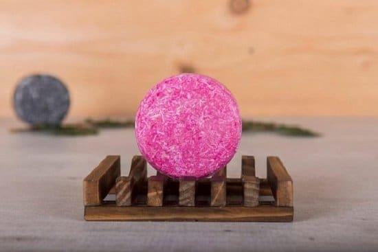 De roze shampoo bar, welke niet in jouw paklijst voor het backpacken mag ontbreken