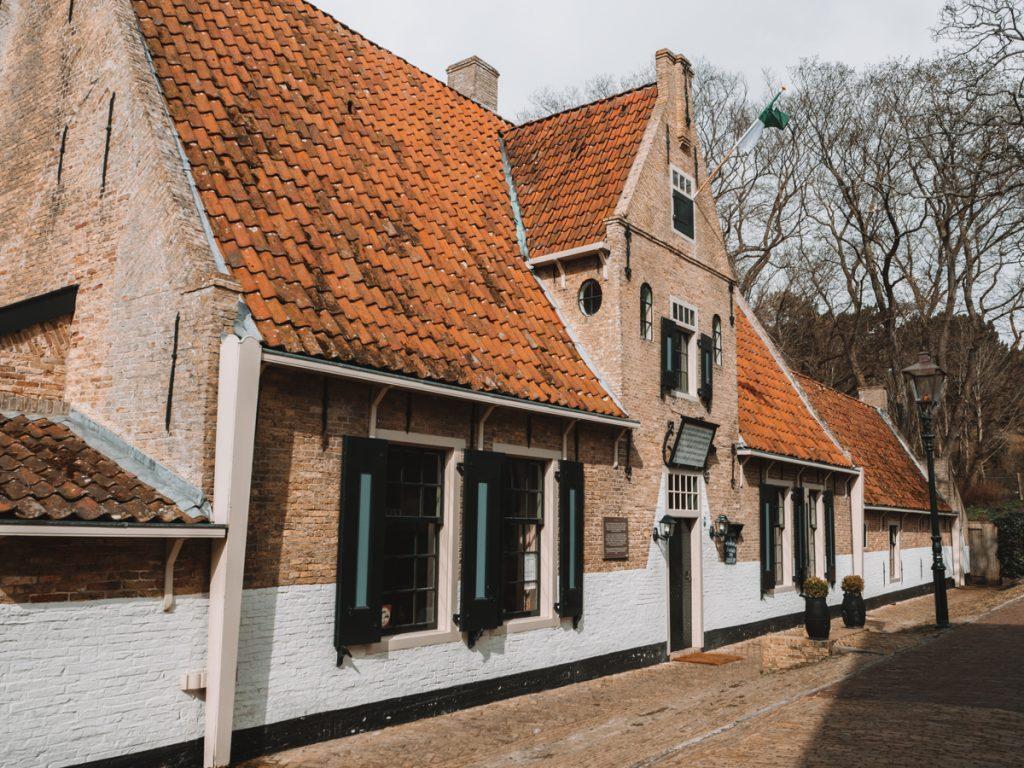 Een van de leukste tips om te eten op Vlieland is het Armhuis