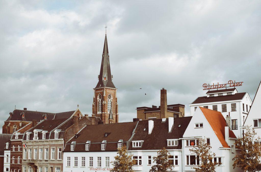 Kruisherenhotel in Maastricht, gelegen in een oud klooster