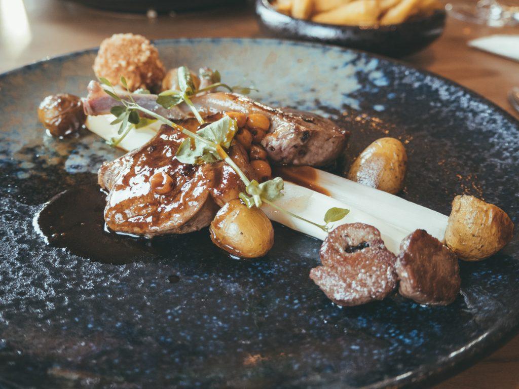 Lamsvlees bij Restaurant Gusta, een van de fijnte hotspots van Texel