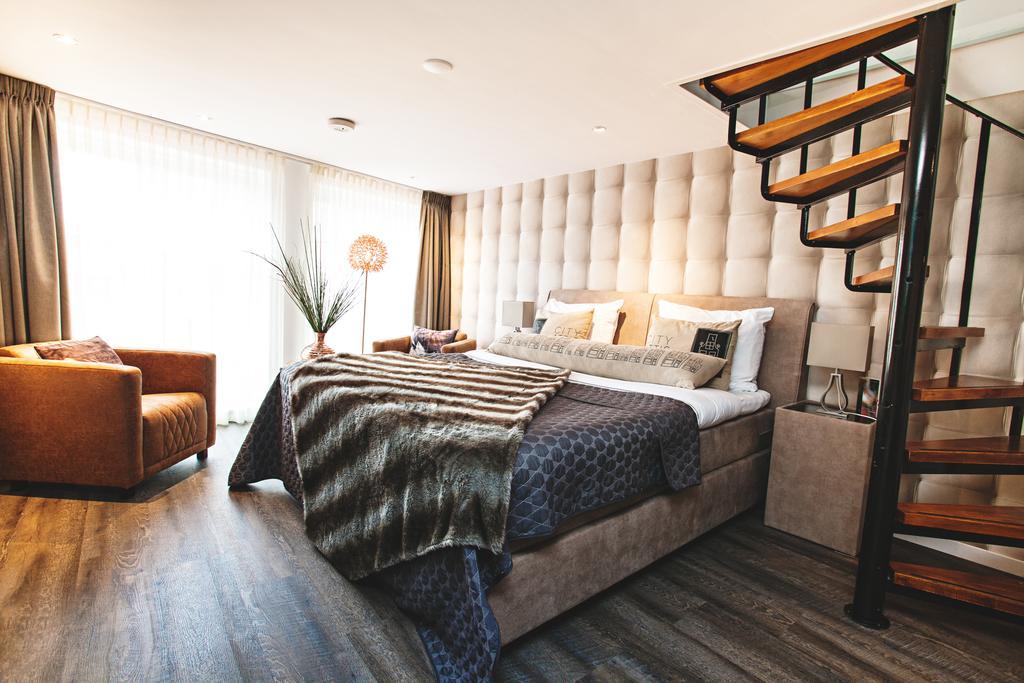 Het bed met trap van City Attic